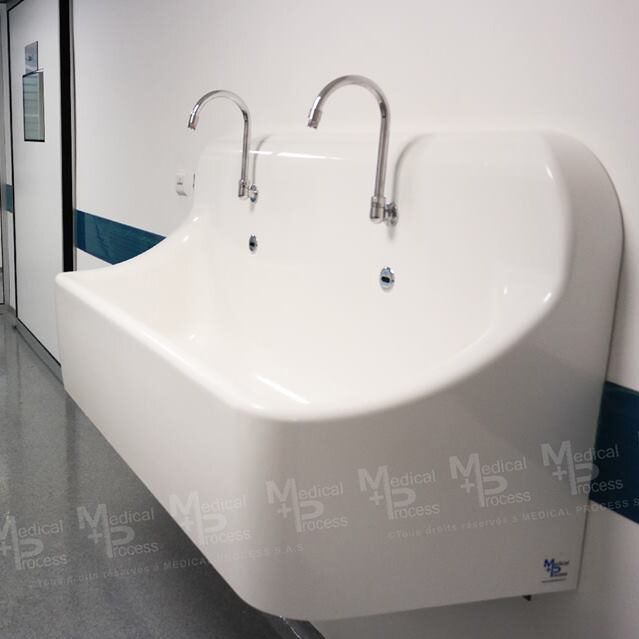 Bồn rửa tay vô trùng tự động 2 phẫu thuật viên